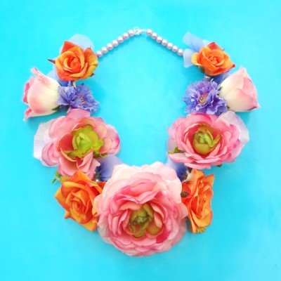 necklace flowers soft pink 18,8x23,1 72