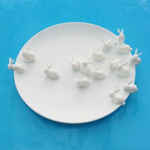 plate rabbit white 300