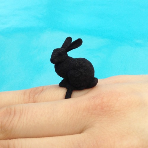 ring rabbit black finger 72