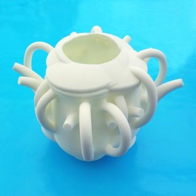 vase teapot on blue OK 72