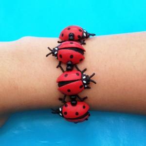 22 bracelet ladybird arm 72