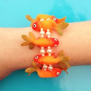 26 bracelet fish oranggreen 72