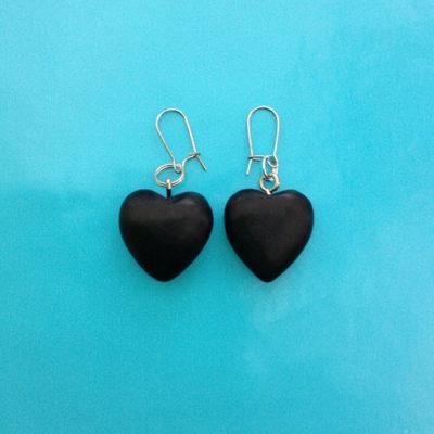 earring wood heart black 72