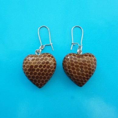 earring wood heart snake brown 72