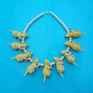 necklace cat yellowred 72