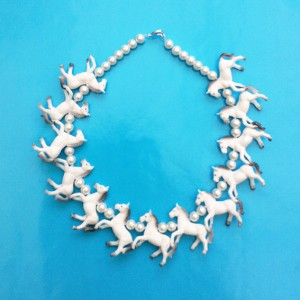 necklace horse white little 72