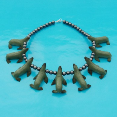 necklace seal 72