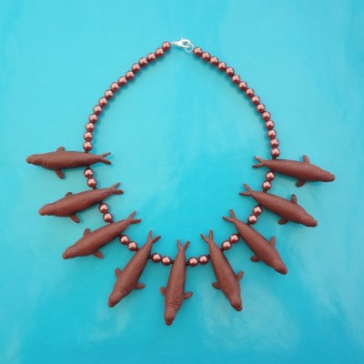 necklace seal brown OK 72