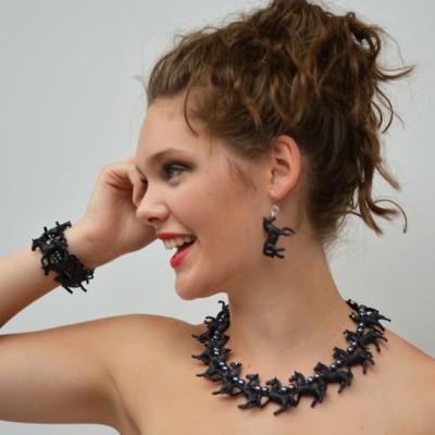 necklace-horse-black-set-1-72