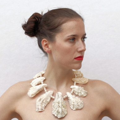 necklace-oyster-white-72