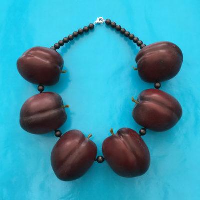 necklace pruimen M 72