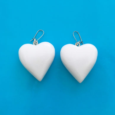 earring wood heart white large 72