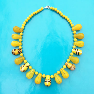 necklace glass drop yellow stripes 72