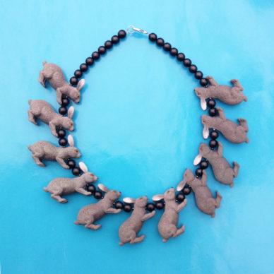 necklace rabbit grey 72