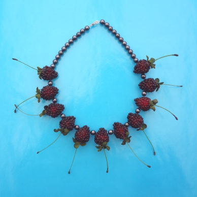 necklace fruit raspberry dark 72