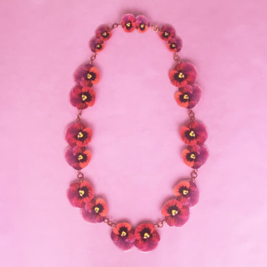 necklace lam violets red 72
