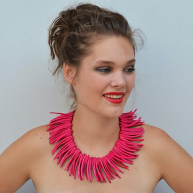 necklace wood pieces red 72